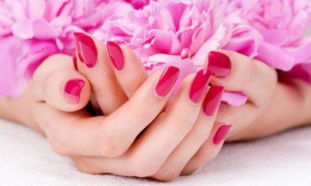 Il cuscino di Maelka: un saluto a prova di manicure