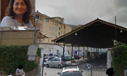 Parcheggio mercato/ Affidamento lampo all'associazione che ha sede all'indirizzo dello studio del fratello del Consigliere Alberino