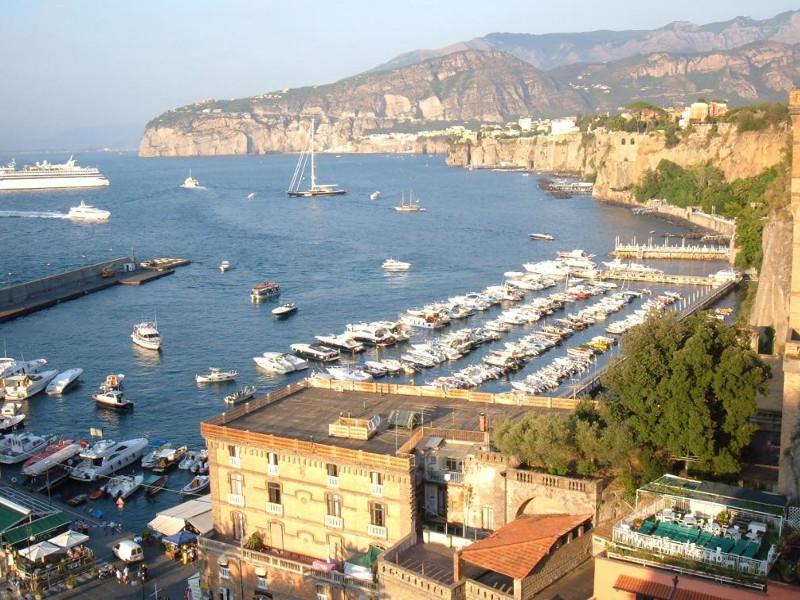 Sorrento/ Boom di turisti e case vacanze, ma crolla il gettito della ...