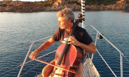 """Sorrento/La denuncia del musicista Roberto Soldatini: """"Dopo un'ora sono stato cacciato dal porto"""""""