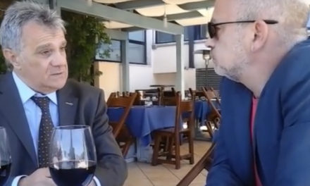"""Sant'Agnello – Housing/ """"Imbecilli e pezzi di merda. Gli atti sono falsificati"""": la reazione dell'ingegner Antonio Elefante"""