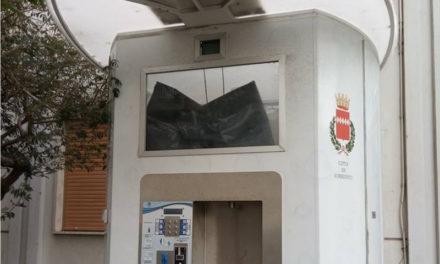 """Sorrento/ """"La casetta dell'acqua di via degli Aranci smontata per pezzi di ricambio?"""": il quesito di Mimmo Calderaro"""