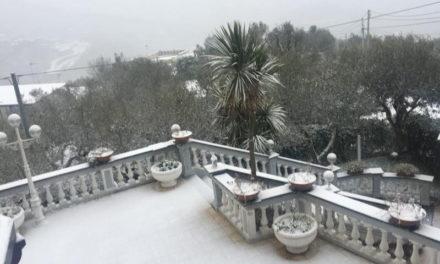 Ultim'ora – Piano di Sorrento e Sant'Agnello/ Stamattina scuole chiuse per neve (Aggiornamento)