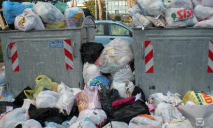 """Il caso: a Sorrento anche la """"munnezza"""" costa di più"""