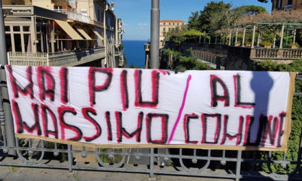 "Sorrento/ ""Massimo Coppola dimettiti"": lo slogan dei ragazzi del Liceo Scientifico (VIDEO)"