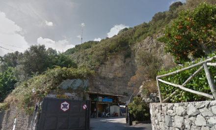 Sant'Agnello/ Il Comune sanziona ancora il deposito della società di cui è socio l'ex Assessore Castellano
