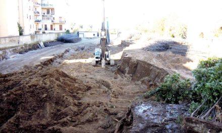 Sorrento – Parcheggio via Rota/ Finalmente il Comune ordina di ripiantare gli alberi
