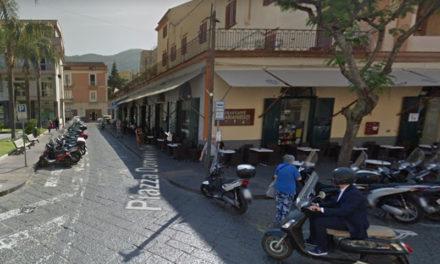 Piano di Sorrento/ Piazza Cota riaperta e subito concessa al Marianiello