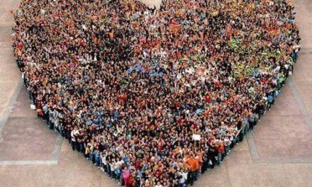 """Sorrento/ """"Il flash mob facciamolo per esprimere solidarietà alla turista violentata"""": la proposta viene dalla rete"""