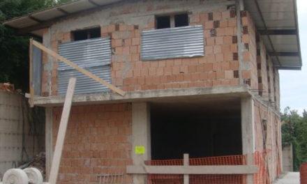 Penisola sorrentina/ Arriva la bomba: niente acquisizioni, gli immobili abusivi vanno demoliti: la Corte Costituzionale blocca la legge regionale 19/2017