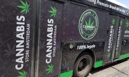 Penisola sorrentina/ La pubblicità della cannabis sui bus dell'EAV