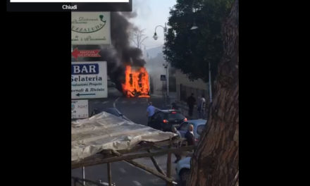 Ultim'ora/ Veicolo in fiamme ai Colli di Fontanelle (VIDEO DIRETTA FACEBOOK)