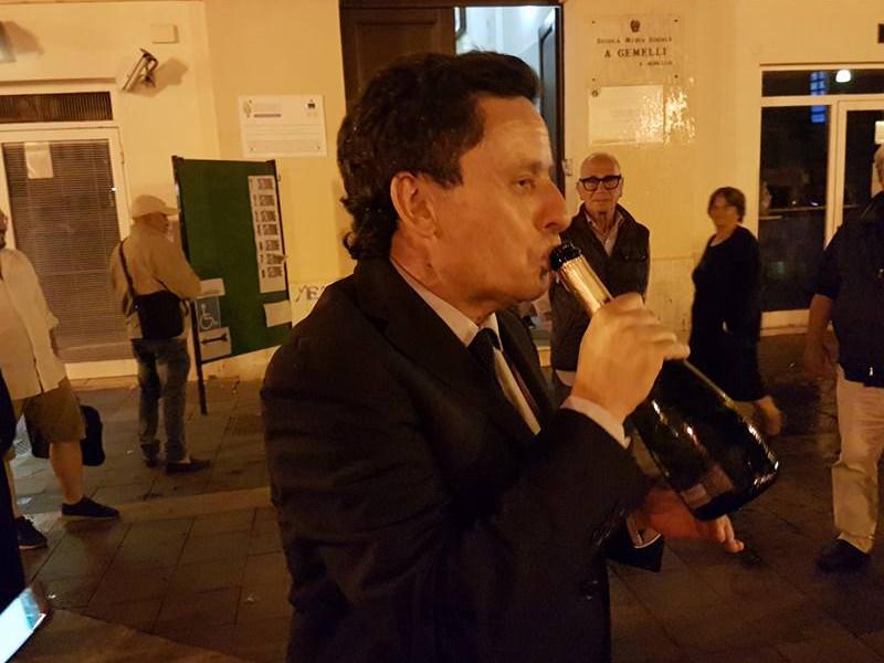 """Sant'Agnello/ Ad un anno dalla rielezione, Sagristani ricorda i suoi """"successi"""", ma dimentica la sue """"perle"""": housing, canile e casa albergo anziani"""