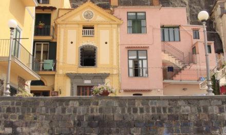 Piano di Sorrento/ La Soprintendenza dice sì ai lavori alla facciata della Chiesa di Cassano, ma molte le prescrizioni