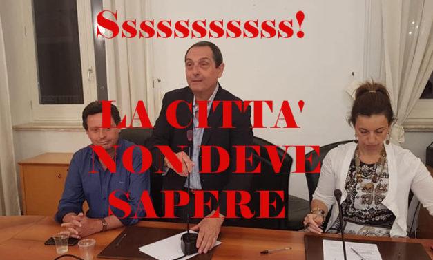 """Sant'Agnello/ In Consiglio comunale si discute dell'inchiesta giudiziaria su Sagristani e la sua ex Giunta ed il Presidente Rocco """"caccia"""" il pubblico"""