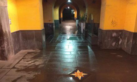 """Piano di Sorrento/ """"Il porticato di Piazza Cota è ridotto a un pisciatoio"""": la protesta corre sui social"""