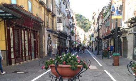 Sorrento – Corso Italia/ Si cambia ancora: solo carico e scarico merci e trasporto alunni