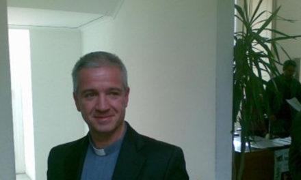 """Sorrento/ """"Onore a te Don Carmine Giudici, hai dato un altolà alla prepotenza"""": la solidarietà di Enzo Giammarino al Parroco della Cattedrale"""