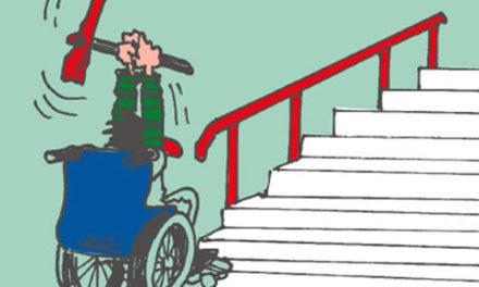 """Piano di Sorrento/ """"Non posso uscire di casa con mio figlio con la carrozzina"""": la denuncia di una mamma a proposito di barriere architettoniche"""