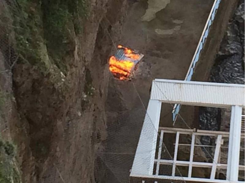 Sant'Agnello/ Ecco il video del rogo di rifiuti alla Marinella denunciato dai 5 Stelle