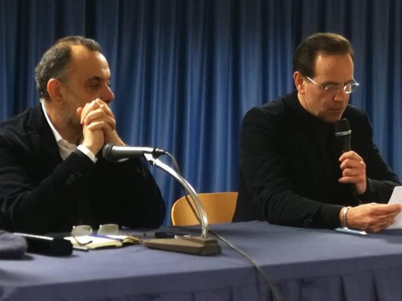 """Penisola sorrentina/ Fabrizio d'Esposito e Giovanni Ruggiero parlano di Politica, ma la """"politica"""" diserta"""