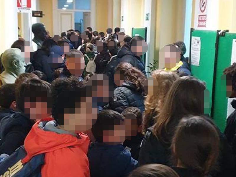 """Sant'Agnello/ """"Precettano"""" pure i bambini per difendersi dall'opposizione (La riflessione del Presidente)"""