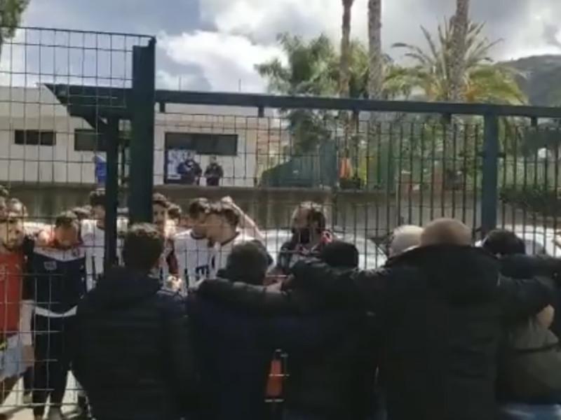 """Sant'Agnello/ """"L'Amministrazione si prostra alle esigenze di pochi"""": l'accusa arriva addirittura da Cava de' Tirreni, da tifosi a cui è stato vietato l'ingresso al campo (VIDEO)"""