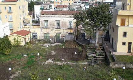 Piano di Sorrento/ Per realizzare il parcheggio nel parco abbandonato di via San Michele l'Amministrazione si affida al Comune di Vico Equense
