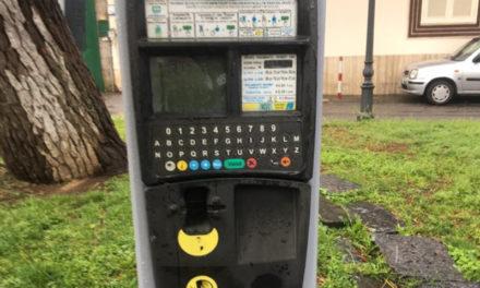 Piano di Sorrento/ Macchinette delle park-card fuori uso, automobilisti in tilt