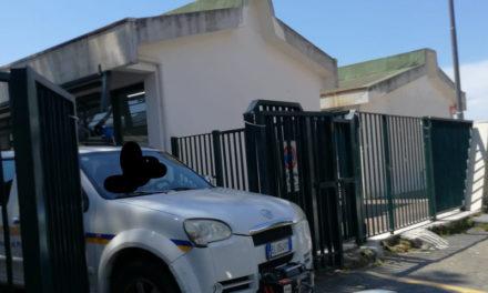 Piano di Sorrento/ Blitz dei Vigili del Fuoco alla Scuola Media di via Ciampa: il plesso resta aperto grazie al presidio della Protezione Civile