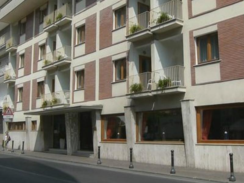Sorrento/ Premio Biagio Agnes: si parte con un affidamento diretto all'albergo di famiglia della moglie del Sindaco Cuomo