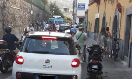 """Sorrento/ """"La turista coinvolta nell'incidente non ce l'ha fatta: bisogna arginare questa deriva"""": l'intervento di Nino Lauro"""