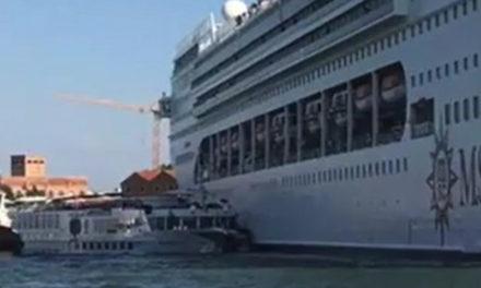 L'incredibile video amatoriale della MSC Opera che perde il controllo e sbatte nella banchina del porto di Venezia