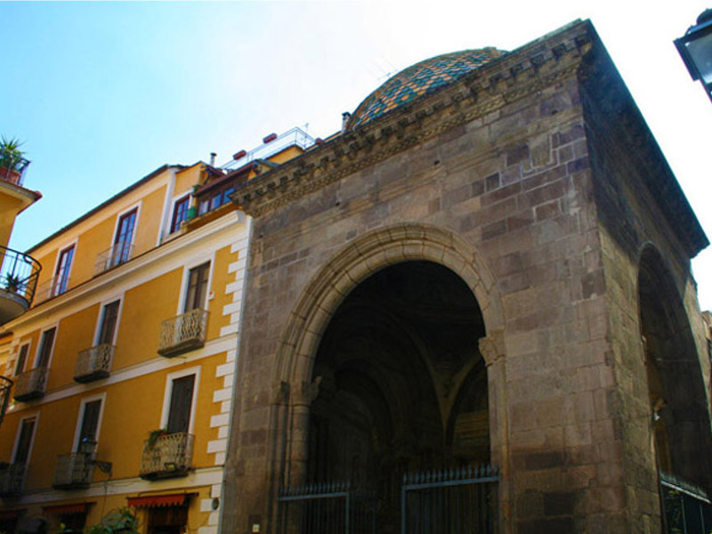 Sorrento/ Revocata la concessione occupazione suolo pubblico ad attività del centro storico