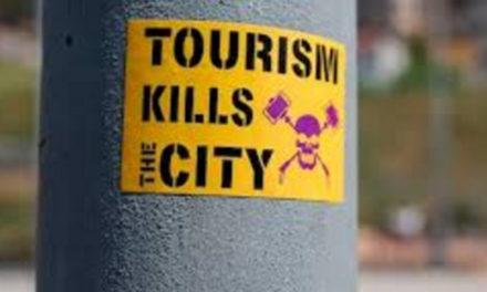 """Penisola sorrentina/ """"Il turismo uccide la Città"""": la riflessione di Rosario Lotito (M5S)"""