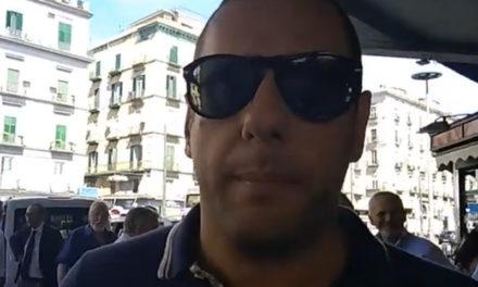 """Penisola sorrentina/ """"De Gregorio si diverte a scrivere su facebook per 200 mila euro all'anno, ma è inadeguato e si deve dimettere"""": l'intervento di Armando Cesaro alla manifestazione a Napoli degli utenti dell'EAV (VIDEO)"""