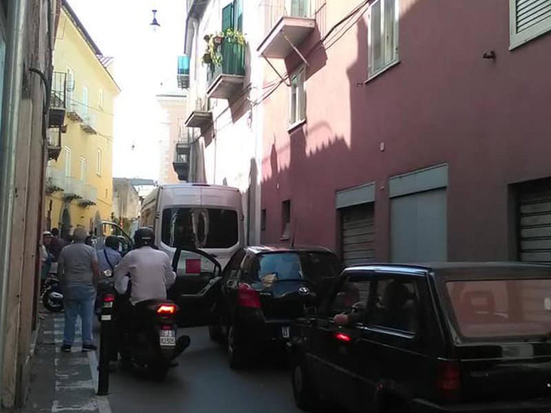 Meta/ Divieto di transito ai grossi autobus: Un'Altra Meta c'è incalza il Sindaco Tito sulla questione viabilità