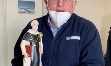 Emergenza CoronaVirus / La comunità sorrentina regala Sant'Antonino al Dott.Ascierto, protagonista napoletano delle cure al Covid19