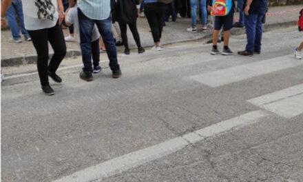 Piano di Sorrento/ La scuola è pronta per accogliere i nostri figli…anzi no, hanno dimenticato il trasporto scolastico: l'intervento di Anna Iaccarino