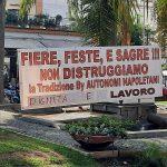 """Piano di Sorrento/ Sì al mercato ed al cantante in piazza per 30 mila euro, no a giostre e bancarelle, arriva il """"COVID a singhiozzo"""" – Monta la protesta"""