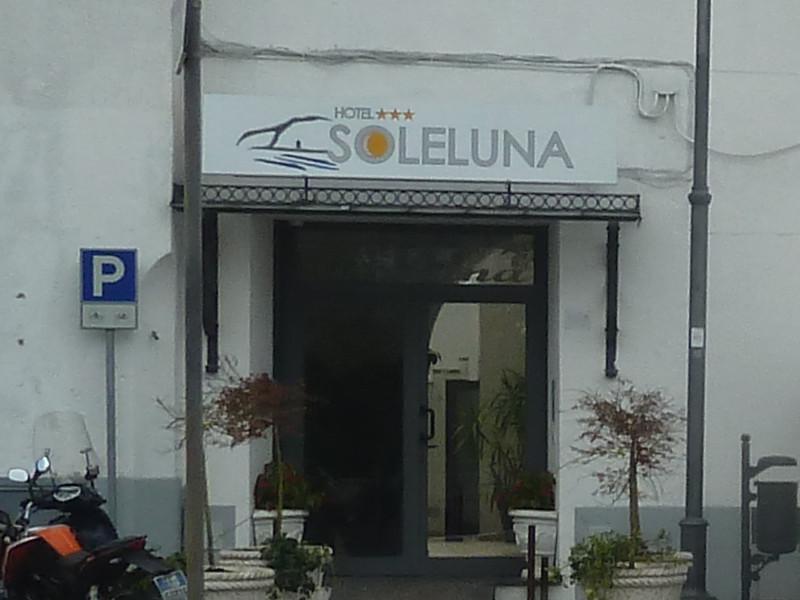 """Inchiesta """"Sole Luna""""/ Un permesso in sanatoria rilasciato pochi mesi fa (Prima Puntata)"""