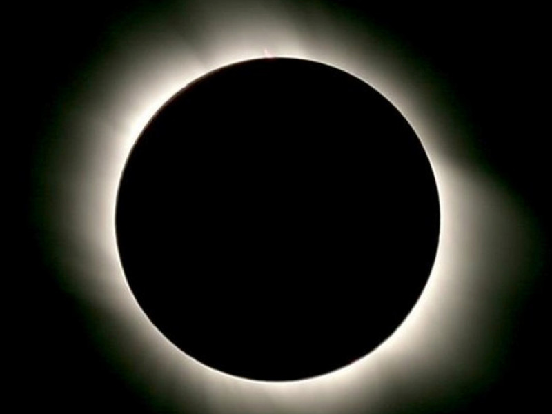 """Inchiesta """"Sole Luna""""/ Quell'amore chiamato eclissi, oscura il cielo, ma non dura per sempre (Anteprima)"""