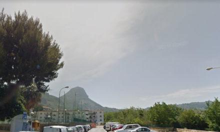 """Meta/ La vendita dei posti auto in via Mariano Ruggiero è illegittima: quel parcheggio è uno standard e non può essere """"privatizzato"""""""