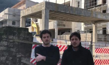 """Sant'Agnello/ """"Le offese a noi non interessano. Parliamo di housing, canile e casa albergo anziani"""": Vitiello e De Gregorio rispondono così al Sindaco Sagristani (VIDEO)"""