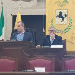 Penisola sorrentina/ Anche il Gonfalone della Città Metropolitana di Napoli al funerale di Rosellina Russo