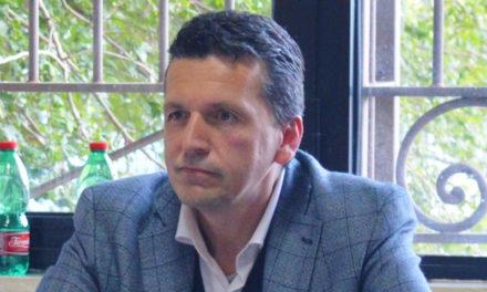 Incredibile a Meta / Tony Cocorullo da consigliere d'opposizione a Istruttore Amministrativo del Comune