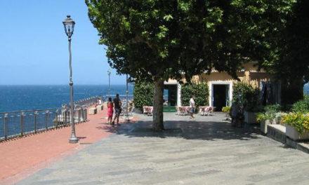 Sant'Agnello/ Ascensore Marinella non utilizzabile, intanto il Comune fa causa al gestore per il rilascio