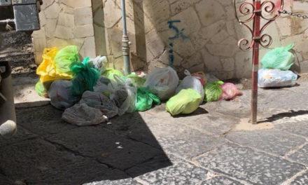 """Sant'Agnello/ Assediati dalla """"munnezza"""""""