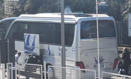 Emergenza Coronavirus/ Tre autobus scaricano passeggeri all'incrocio di via Cavone a Piano di Sorrento…sempre tutto sotto controllo?