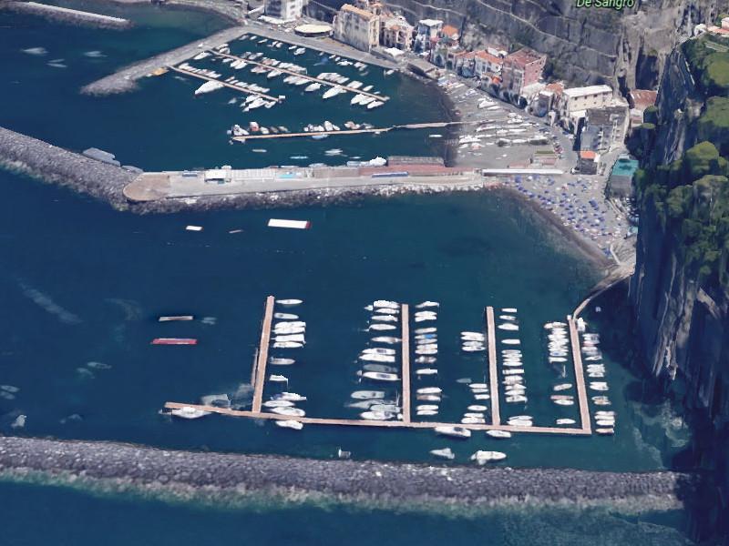 Sant'Agnello/ Nuova tegola per l'Amministrazione di Sagristani: il TAR blocca i lavori di risistemazione all'approdo di Marina di Cassano